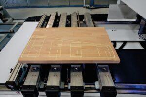 Sistema poziciyuvannya v obroblyuyuchih centrah HOMAG z konsolnim stolom